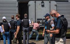 Сотрудники миссии ОБСЕ на станции города Торез. © РИА Новости, Андрей Стенин