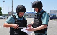 Таможенники на КПП «Новошахтинск». Фото пресс-службы Южного таможеннного управле