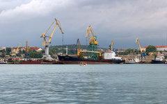 Порт Севастополя. Фото Alexxx1979 с сайта wikimedia.org