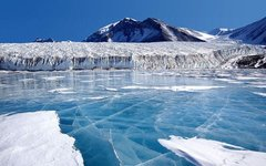 Лед на озере Фрикселл. Фото с сайта wikimedia.org