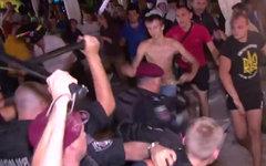 Столкновения на концерте Ани Лорак. Стоп-кадр видео в YouTube
