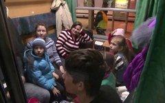 Польша решила не спешить с предоставлением украинцам статуса беженцев