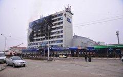 Сгоревший Дом печати в Грозном. Фото с сайта nac.gov.ru
