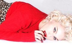 Промо-фото к новому альбому Мадонны с офстраницы певицы в Facebook
