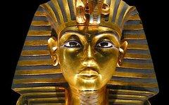 Погребальная маска Тутанхамона. Фото MykReeve с сайта wikimedia.org