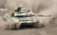 Танк Т-90. Фото с сайта army-news.ru