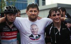 Рамзан Кадыров с победителями веломарафона © РИА Новости, Саид Царнаев