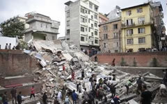 Последствия землетрясения в Непале. Стоп-кадр с видео в YouTube