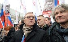 Михаил Касьянов (в центре) © РИА Новости, Илья Питалев