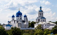 Боголюбский монастырь. Фото Вита с сайта wikimedia.org