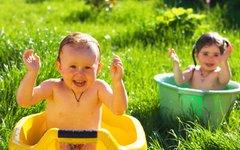 Купание ребенка © KM.RU