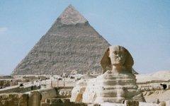 Большой Сфинкс и Пирамида Хефрена в Гизе. Фото Hajor с сайта wikimedia.org