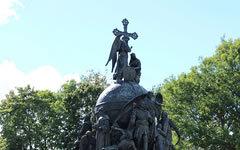 Памятник «Тысячелетие России». Фото с сайта wikipedia.org