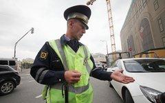 Еще один инспектор ДПС не знает, что ему делать... © KM.RU, Алексей Белкин
