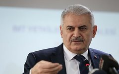 Турецкий премьер обвинил ИГ в атаке на аэропорт Ататюрк