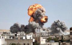 Авианалет на Ракку. Стоп-кадр с видео в YouTube