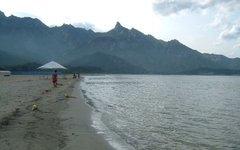 Побережье Японского моря. Фото のりまき  с сайта wikimedia.org