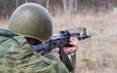 Стрельба из автомата © KM.RU