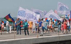 Песков порекомендовал всем жителям России смотреть комедию о Крымском мосте