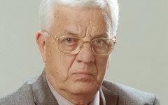 Раймонд Паулс эмигрировал с семьей из Латвии