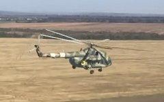 Украинский вертолет Ми-8 МТ в зоне АТО. Стоп-кадр из видео в YouTube