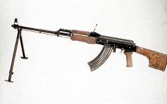 Ручной пулемёт Калашникова. Фото с сайта defenselink.mil