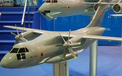 Модель самолета Ил-112, 2009 год. Фото Allocer с сайта wikimedia.org