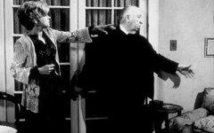 Барбара Харрис с Альфредом Хичкоком. Фото с сайта kino-teatr.ru