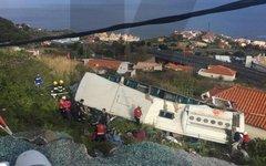 Автобус с туристами разбился на португальском острове Мадейра
