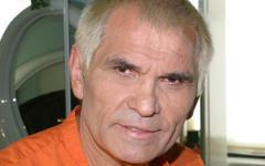 Бари Алибасов госпитализирован с ожогом пищевода