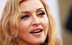 Мадонну обвинили в расовой дискриминации из-за фото детей с арбузами
