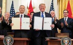 Президент США Дональд Трамп и вице-премьер Госсовета КНР Лю Хэ