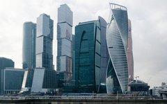 Упала часть конструкций одной из башен комплекса «Москва-сити»