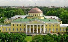 Таврический дворец. Фото с сайта культура.рф