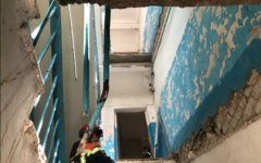Обрушение лестницы в жилом доме в Энгельсе