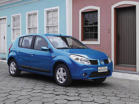 Март. Старутет производство Renault Sandero