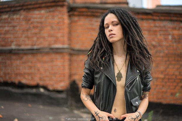 Сегодня болеем в Голосе за Дарию Ставрович - настоящую рок-звезду!