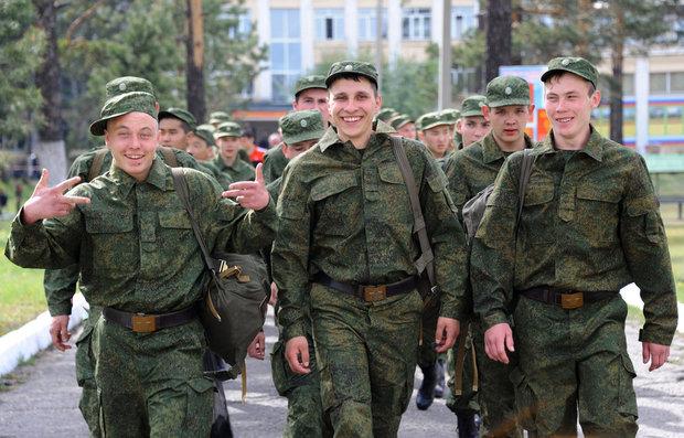Весенний призыв закончен: омбудсмены узнали об условиях быта современного солдата