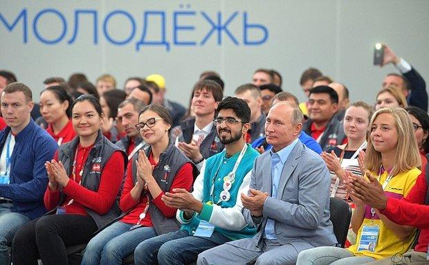 Путин: новые технологии должны быть прикладными иреализуемыми