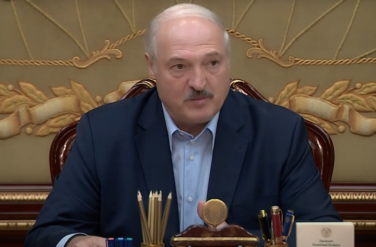«Лукашенко в отношениях с Кремлем окончательно перешел «красную черту». Чем ответит Кремль - очередным сеансом самоунижения или устранением «белорусского Эрдогана»?»