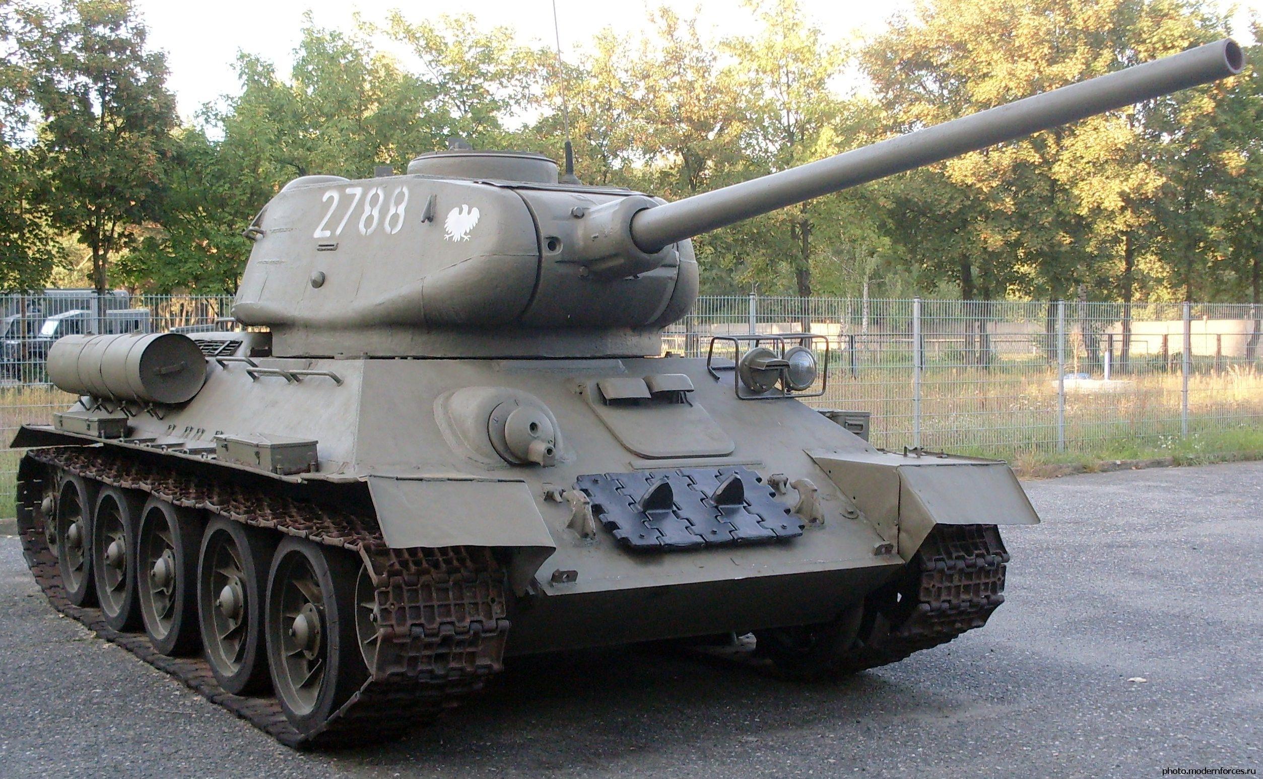 ФСБ предотвратила вывоз танка Т-34 из России в Казахстан | KM.RU